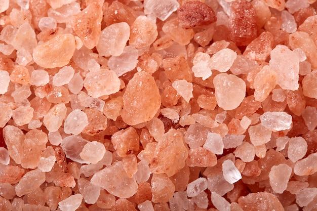 Rosafarbenes salz aus den himalaya-bergen
