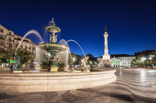 Rossio-platz (pedro iv platz) in der stadt lissabon, portugal