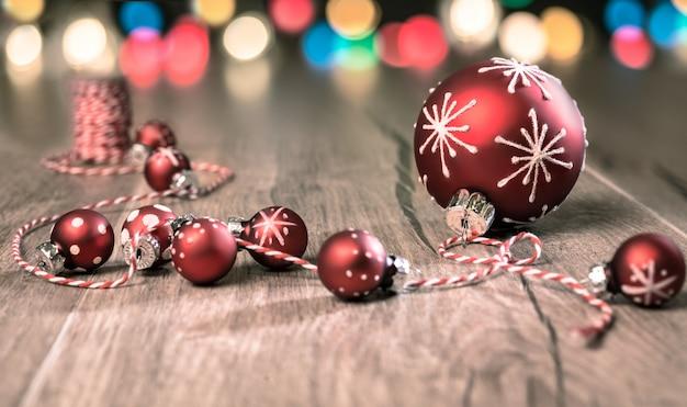 Rot-weiße weihnachtsdekorationen