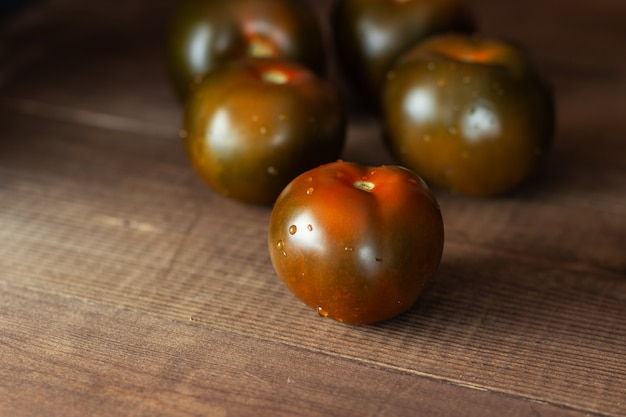 Rotbraune tomaten nahaufnahme