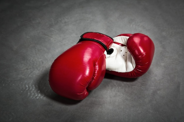 Rote boxhandschuhe, nahaufnahme, niemand