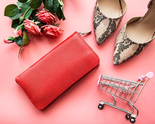 Rote damenbrieftasche aus leder