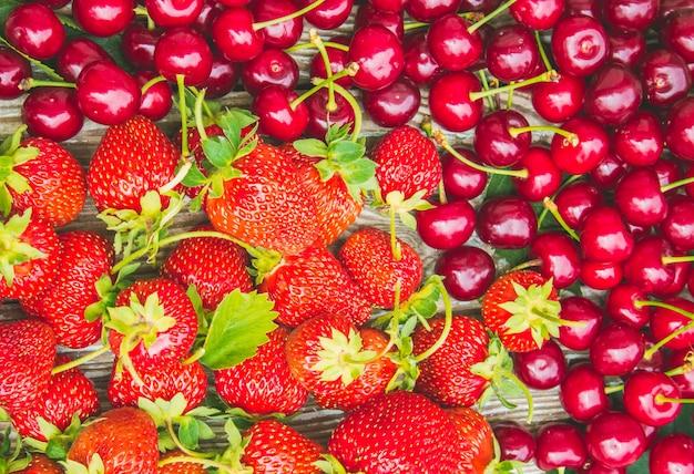 Rote kirschen selektiver fokus essen natur obst.