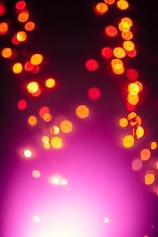 Rote Punkte in der Nähe von Magenta blinken