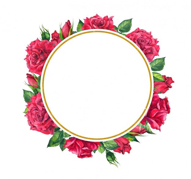 Rote rosen, kranz aus gold. aquarellkarte mit blumen und kreisgrenze