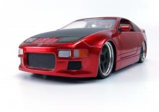 Rote spielzeugauto, spielzeug