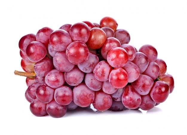 Rote trauben getrennt auf weiß