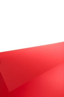 Rote und weiße farbe papier geometrisch