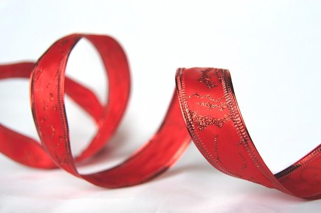 Rote verzierung für geschenke