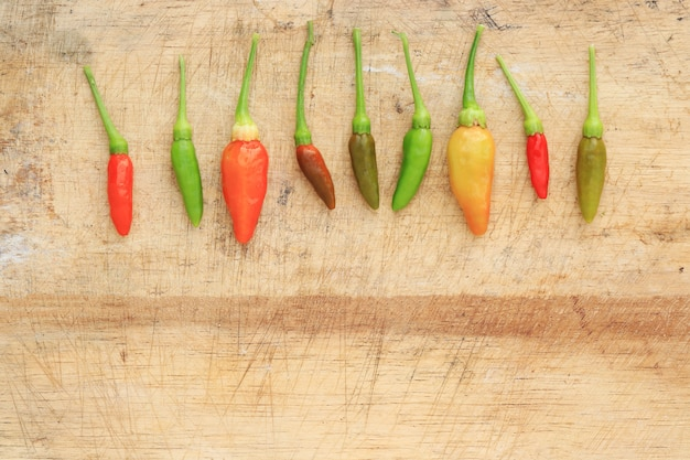 Roter grüner und brauner paprika