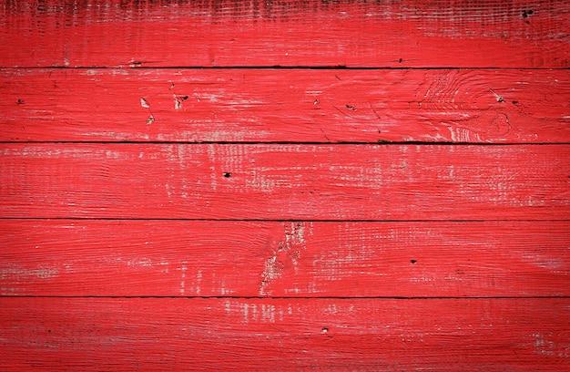 Roter holztisch von brettern