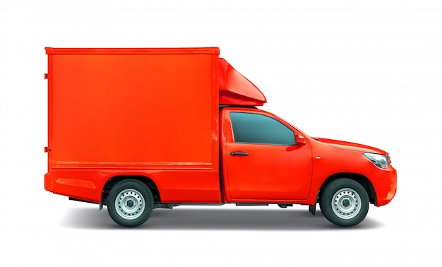 Roter kleinlastwagen mit containerkasten-dachgepäckträger für den transport