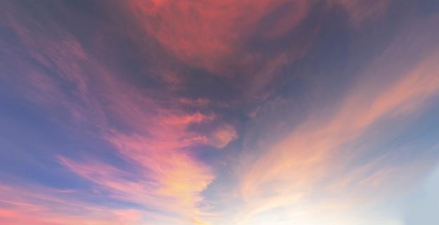 Roter sonnenaufgang himmel