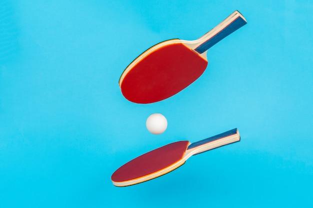 Roter tischtennisschläger