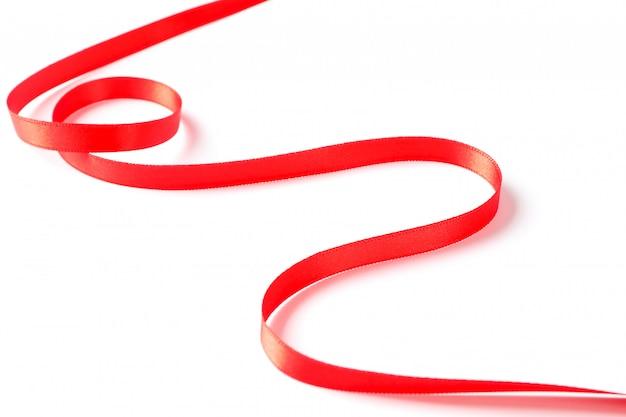 Rotes band lokalisiert auf weiß