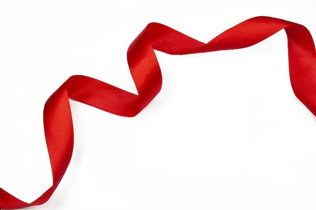 Rotes schickes band für ein geschenk