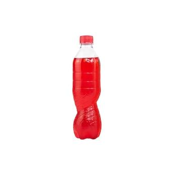 Rotes sprudelwasser in einer plastikflasche isoliert