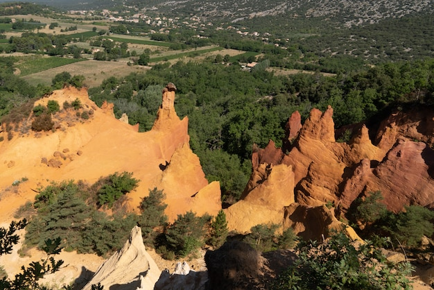 Roussillon ocker rock in französisch colorado hill luberon provence in frankreich