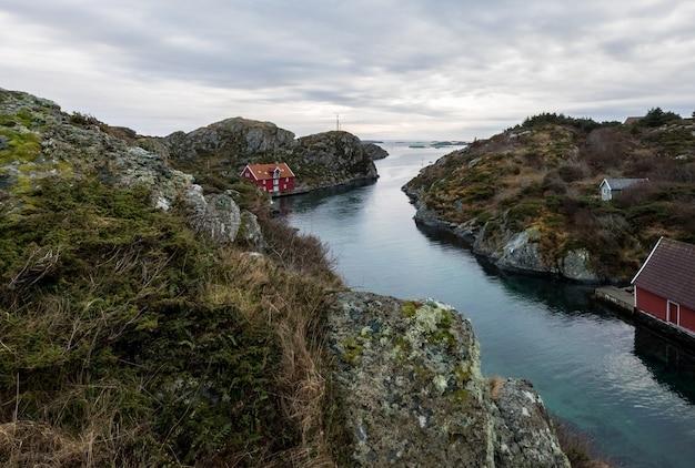 Rovaer in haugesund, norwegen - 11. januar 2018: der rovaer-archipel in haugesund, in der norwegischen westküste.