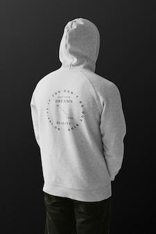 Rückansicht des hoodie der herrenbekleidung