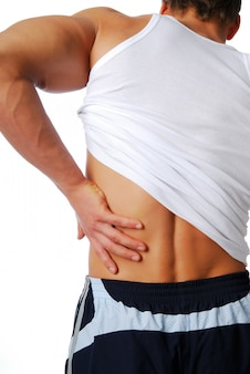 Rückenschmerzen. mensch isoliert auf weiß, rückansicht