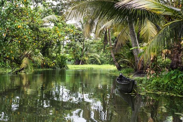 Rückwasser kerala indien fluss