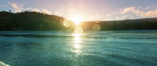 Ruhiger tropischer strand