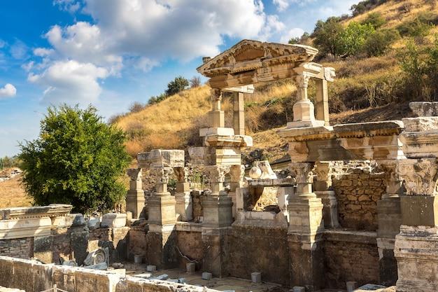 Ruinen der antiken stadt ephesus in der türkei