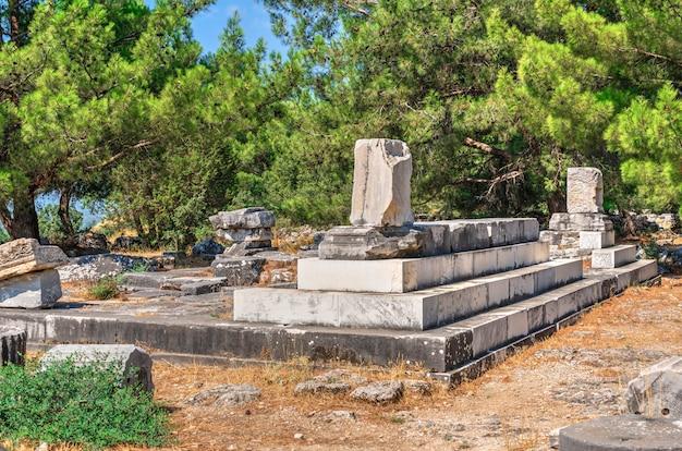 Ruinen der antiken stadt priene in der türkei