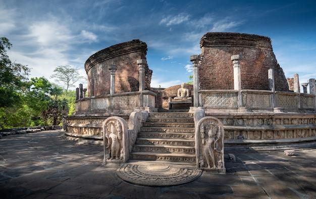 Ruinen des historischen polonnaruwa vatadage in polonnaruwa, sri lanka
