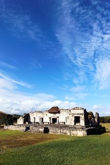 Ruinen von fresken im dezember, tulum, mexiko