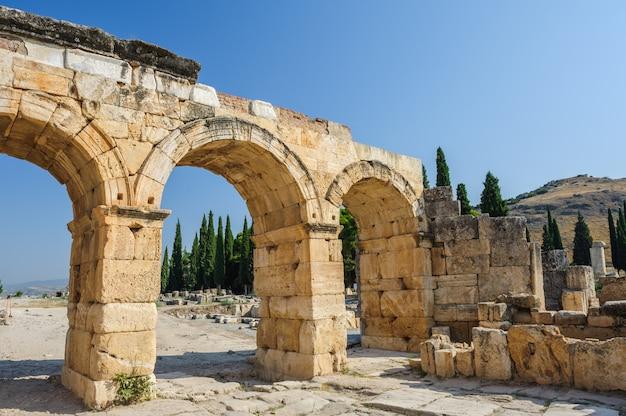 Ruinen von hierapolis, jetzt pamukkale