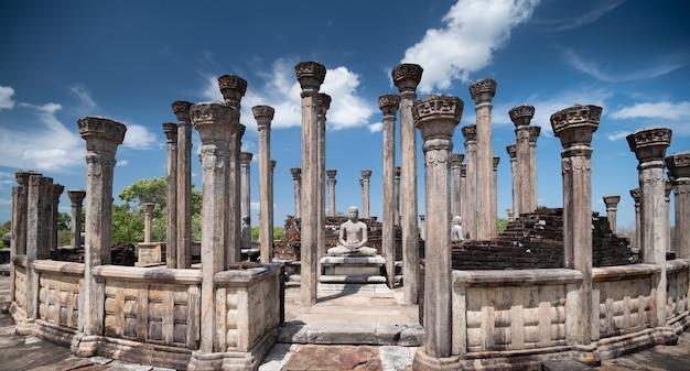Ruinen von medirigiriya vatadage polonnaruwa, sri lanka