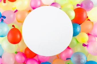 Rundschreiben auf Ballons