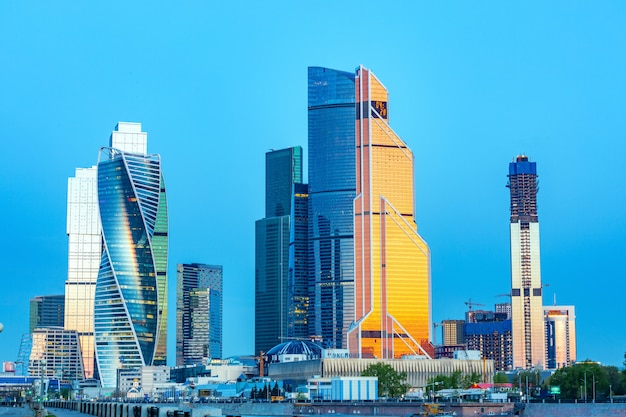 Russland, moskau, 23.05.18. moskau-stadt - ansicht von wolkenkratzern