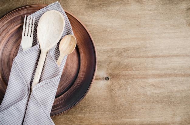 Rustikale küchengeräte. haushaltswaren.