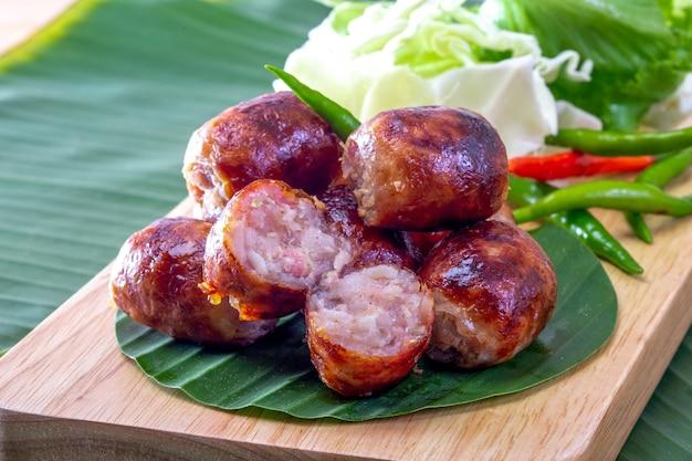 Saan-wurst oder thailändische nordöstliche wurst. Premium Fotos
