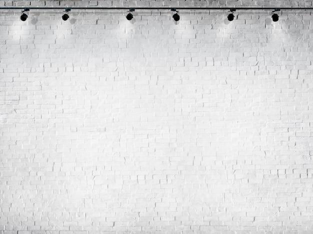 Säubern sie konkreten weißen hintergrund keine leute-beleuchtungs-ausrüstung