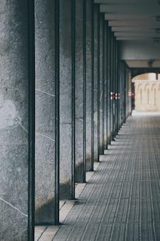Säulenarchitektur auf der straße