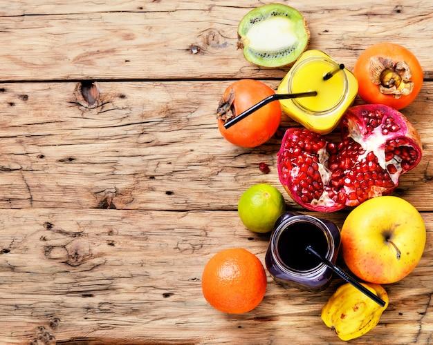 Saft aus tropischen früchten