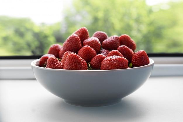 Saftige reife erdbeeren