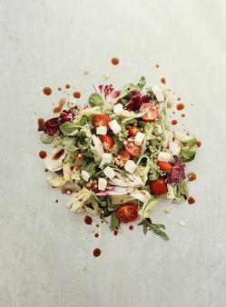 Salat mit kirschtomaten