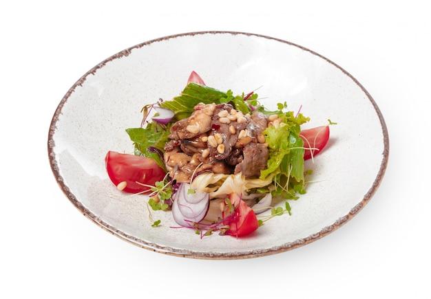 Salat mit roastbeef- und kirschtomaten