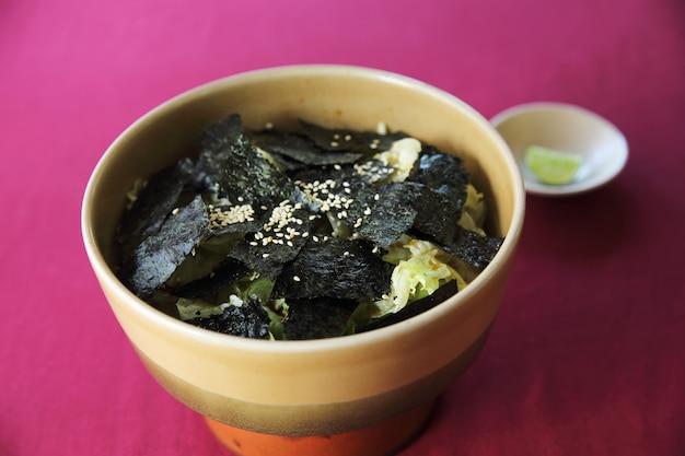 Salat nach japanischer art