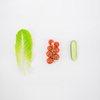 Salat, tomaten und gurken
