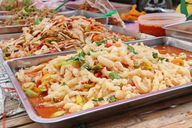 Salat würzig bei street food