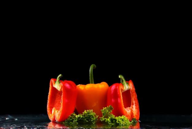 Salatblätter und paprika
