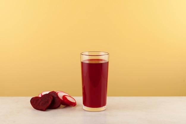 Salgam oder fermentierter rübensaft