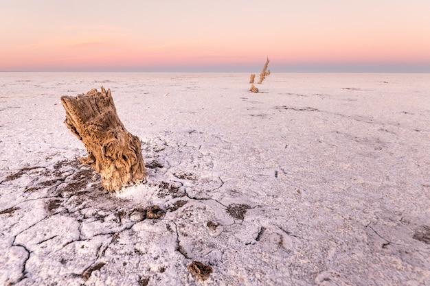 Salinas grandes in cordoba, argentinien. alte salzproduktion