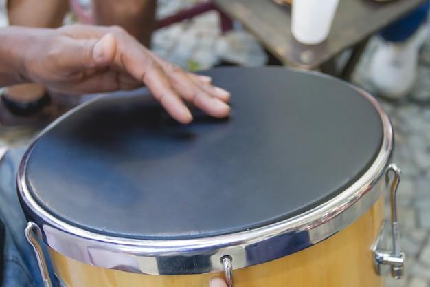Samba ist teil der carioca-kultur und eine der traditionsreichsten städte der sambakreise